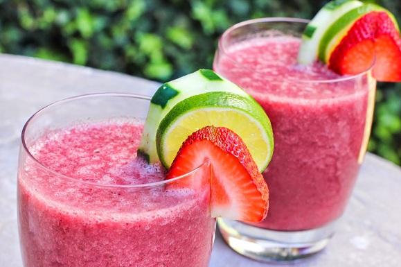 Des recettes de smoothies pleins d'énergie pour la saison chaude