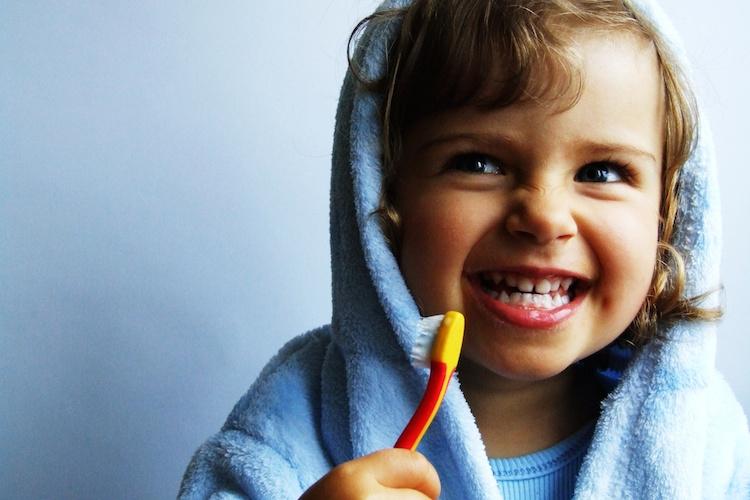 Les dents de vos enfants: que faire et à quel âge?