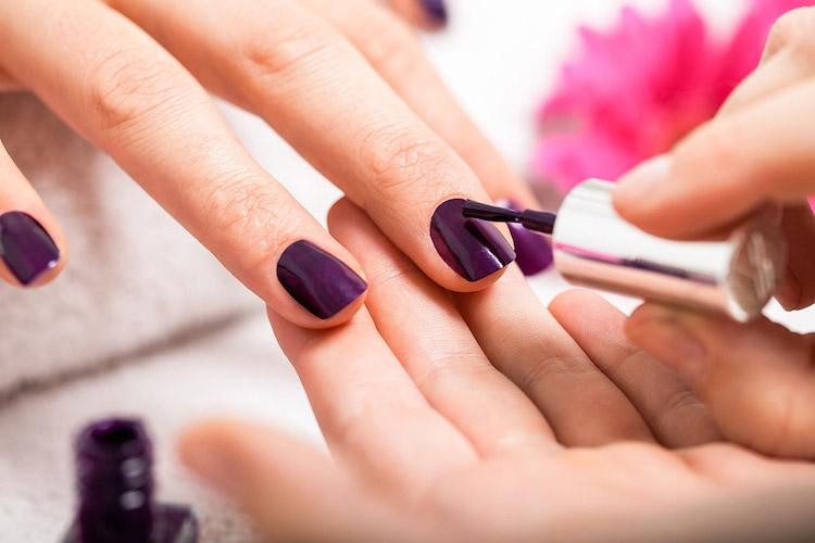 Pleins phares sur les ongles avec les vernis tendance automne-hiver de Nailstation !