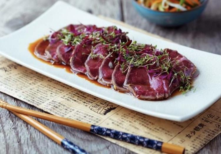 Cuisinez japonais à Dubai avec la recette du boeuf tataki !
