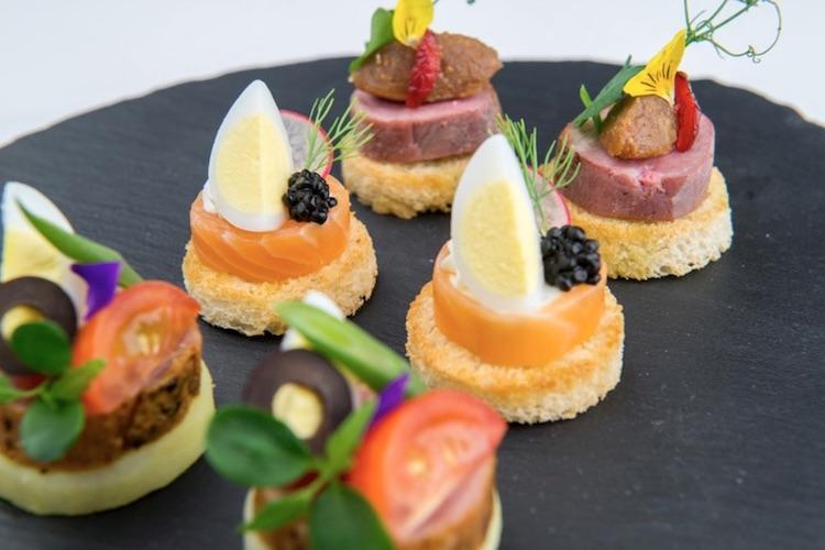Les traiteurs à Dubai, une solution gain de temps pour vos soirées et événements !