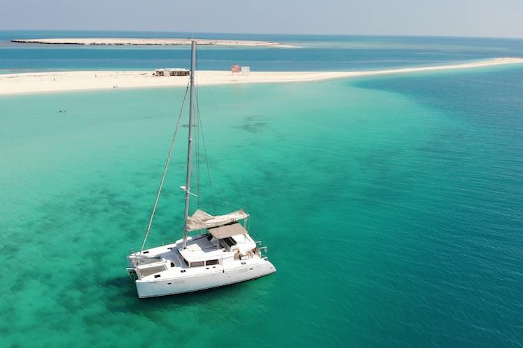 Découvrez les eaux turquoise de la péninsule arabique avec Arabian Breeze !