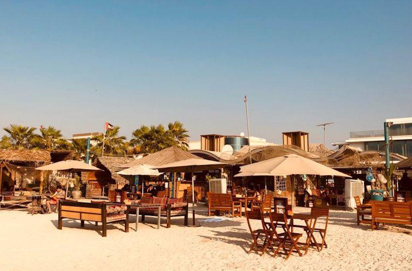 Les restaurants sur la plage à faire en famille ou entre amis !