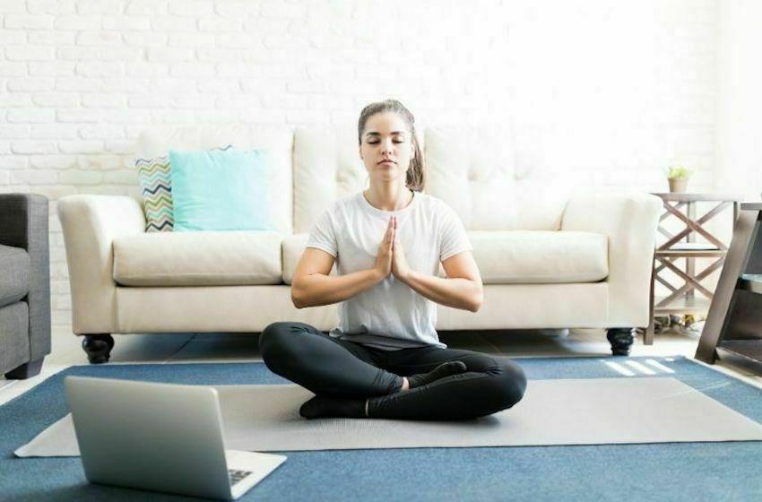 Yoga online et autres stratégies de détente en ligne pendant le confinement !